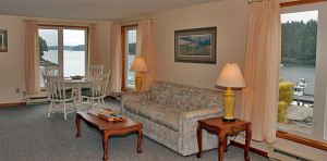 Quahog Bay Inn - 3645